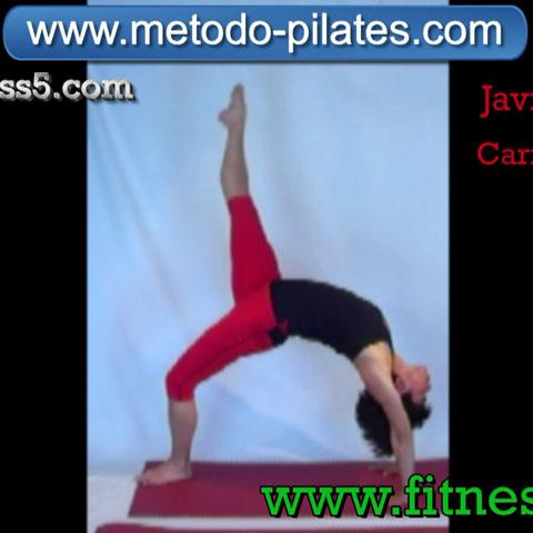 Ejercicio pilates Pilates clasico. El puente con elevacion de una pierna hasta la vertical.