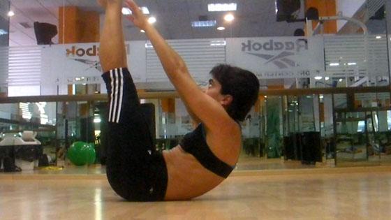 Ejercicio pilates Abdominal con extension de piernas