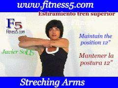 Flexibilidad, brazo estirado hacia el pecho