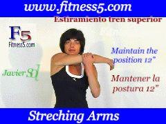 Ejercicio pilates Flexibilidad, brazo flexionado por encima del hombro