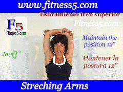 Flexibilidad de pecho, los dos brazos flexionados por detras de la cabeza