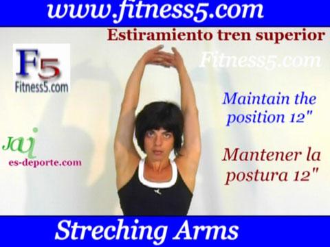 Ejercicio de estiramiento de hombros, pecho y espalda. Triple movimiento.