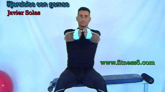 Ejercicio pilates Aperturas con gomas frontales bilaterales