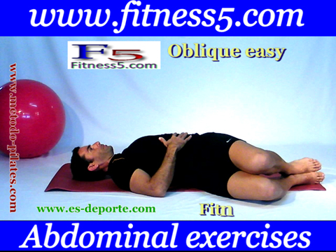 Ejercicio pilates Ejercicio de oblicuos con torsion del tronco basico nivel uno, manos en el estomago.
